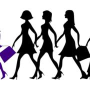 先頭のリーダーの女性に付いて行く4人の女性たち